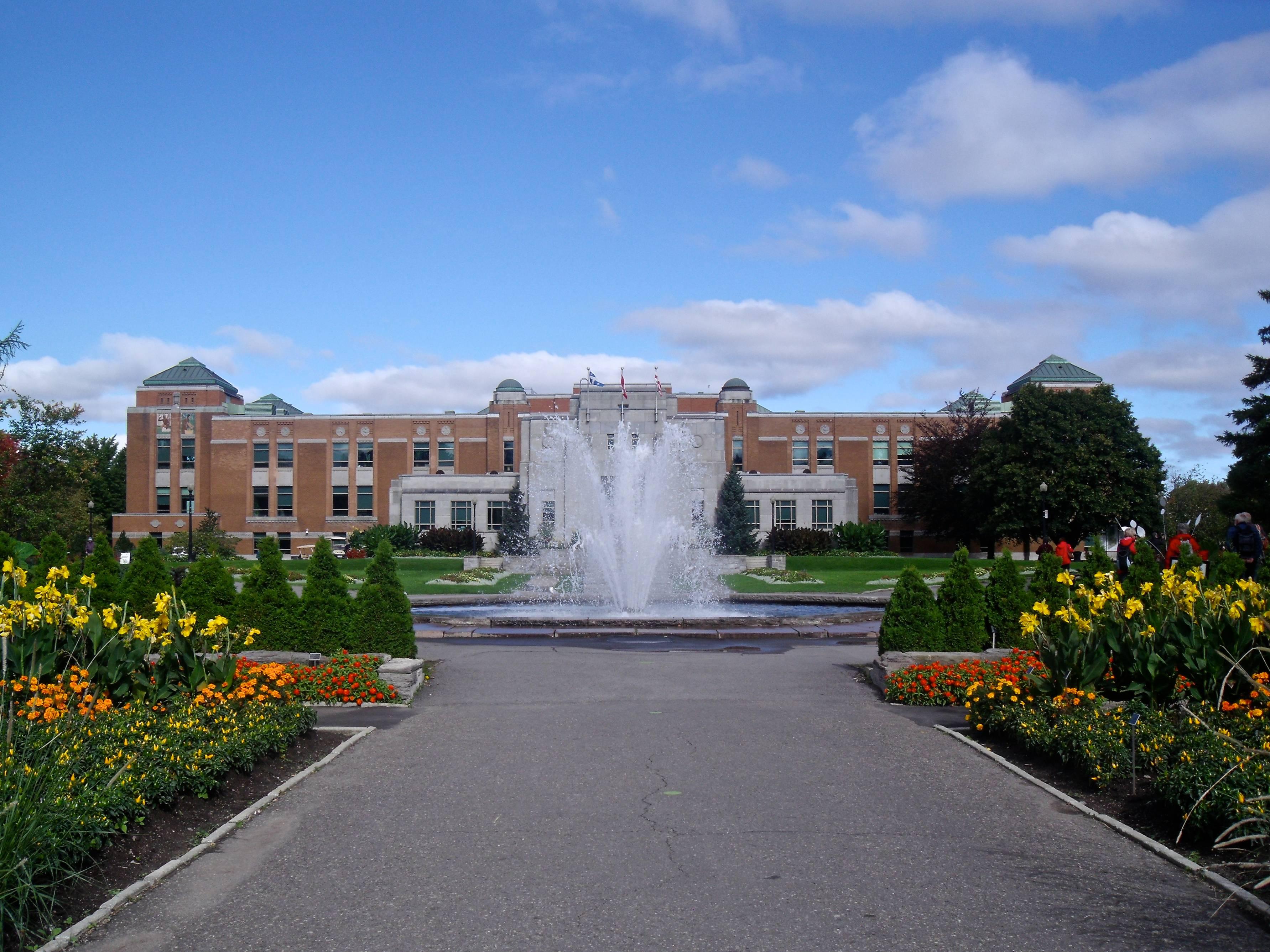 edifice_marie-victorin_jardin_botanique_de_montreal_01